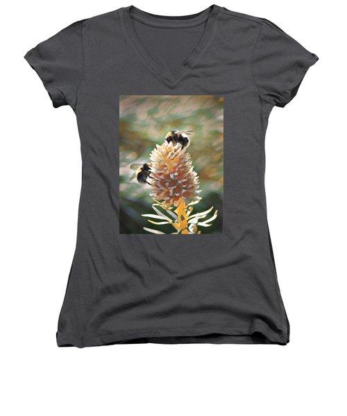 Bee Bee Women's V-Neck