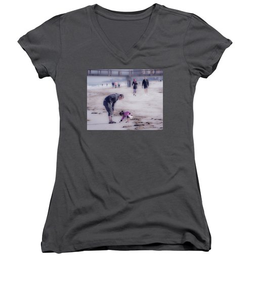Clearwater Beachcombing Women's V-Neck