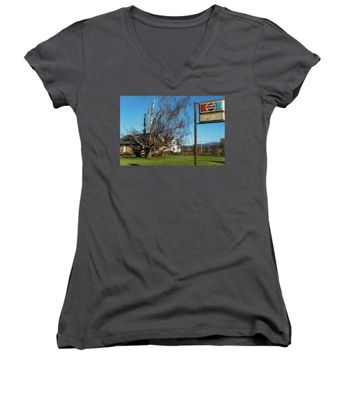 Evergreen Golf Course Women's V-Neck