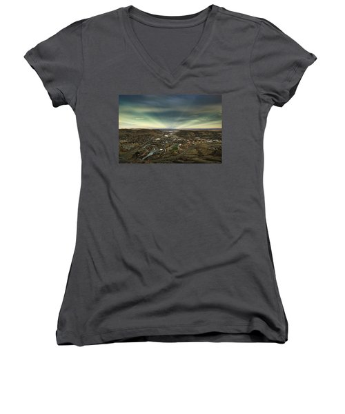Go East Young Man Women's V-Neck