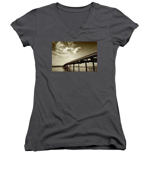 Oil Bridge II Women's V-Neck