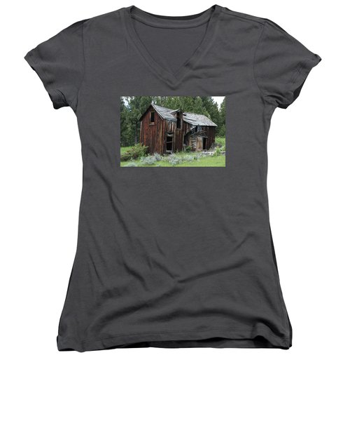 Old Cabin - Elkhorn, Mt Women's V-Neck