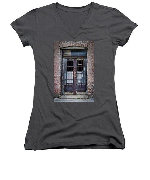 Old Door Women's V-Neck