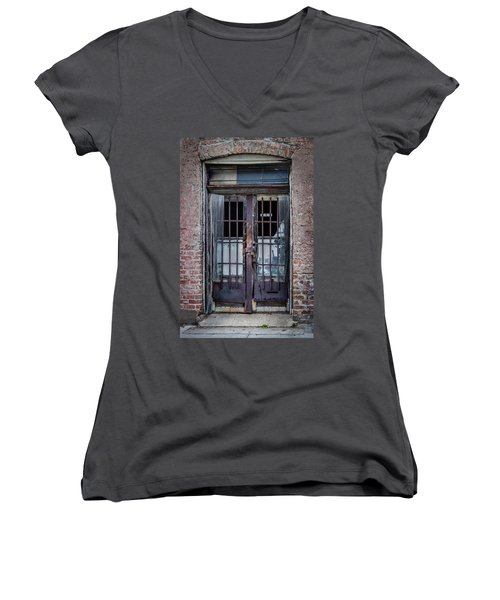 Old Door Women's V-Neck