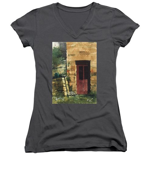 Red Door Women's V-Neck