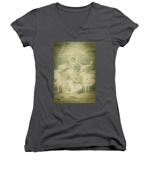 The Ballet Dancers Shabby Chic Vintage Style Portrait Women's V-Neck