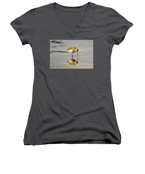Willet Sees Its Reflection Women's V-Neck