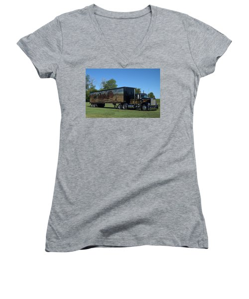 Smokey And The Bandit Tribute 1973 Kenworth W900 Black And Gold Semi Truck Women's V-Neck