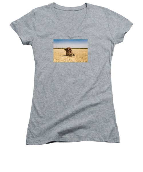 Muddy Work Boots Women's V-Neck T-Shirt