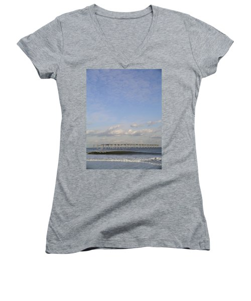 Pier Wave Women's V-Neck