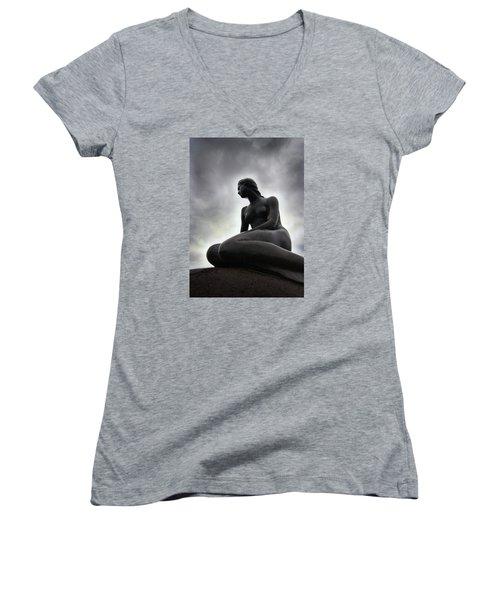 Woman Standing Strong Women's V-Neck T-Shirt