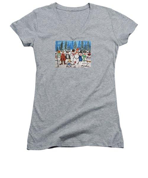 10 Christmas Snowmen  Women's V-Neck T-Shirt