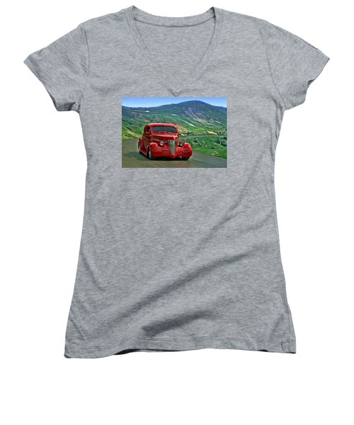1939 Chevrolet Coupe Women's V-Neck (Athletic Fit)