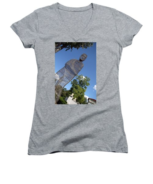 Women's V-Neck T-Shirt (Junior Cut) featuring the photograph Minujin's A Man Of Mesh by Cora Wandel