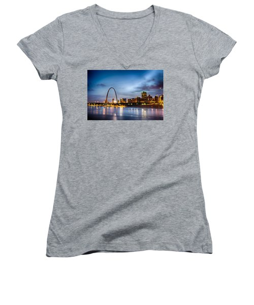 City Of St. Louis Skyline. Image Of St. Louis Downtown With Gate Women's V-Neck T-Shirt