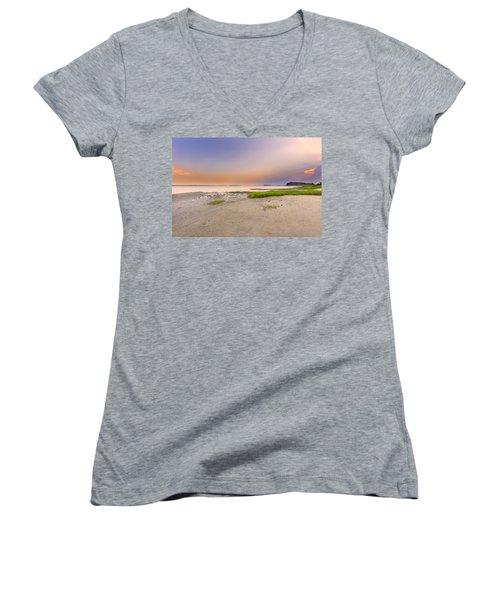Hilton Head Island Women's V-Neck T-Shirt (Junior Cut) by Peter Lakomy