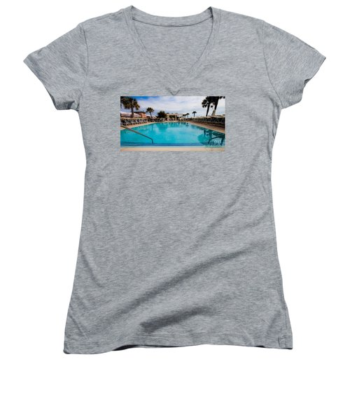 Infinity Pool Women's V-Neck (Athletic Fit)