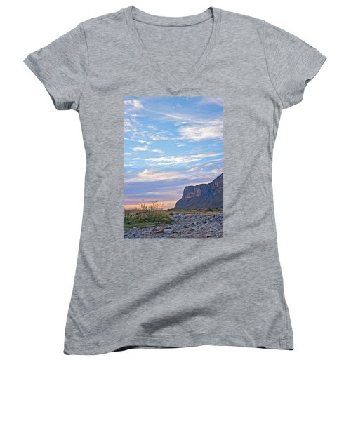 Santa Elena Sunrise Women's V-Neck T-Shirt