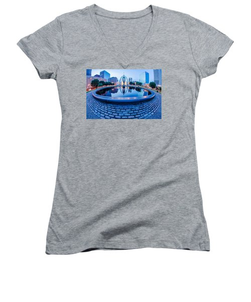 St. Louis Downtown Skyline Buildings At Night Women's V-Neck T-Shirt