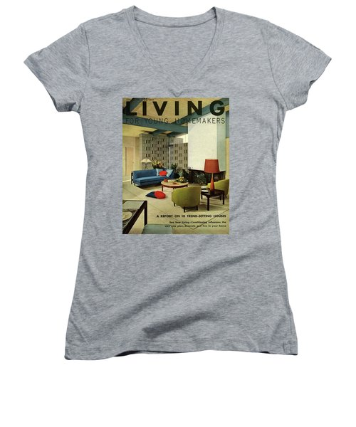 A Living Room With Carpeting By Callaway Women's V-Neck