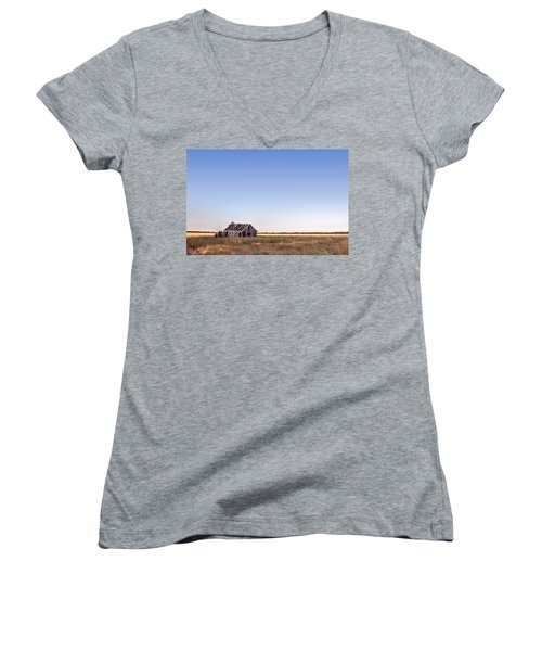 Abandoned Farmhouse In A Field Women's V-Neck T-Shirt