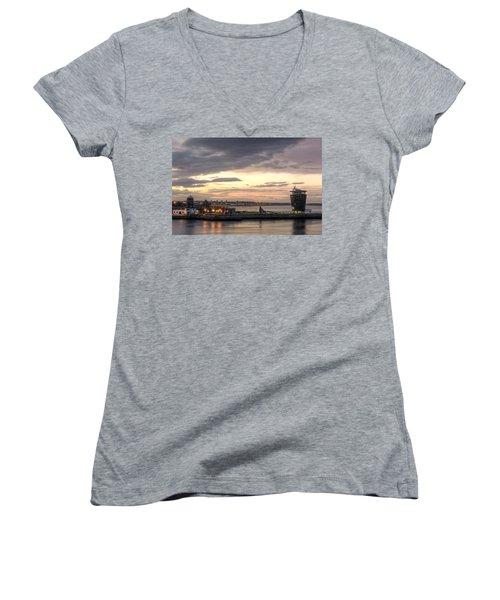 Aberdeen At Dusk Women's V-Neck T-Shirt