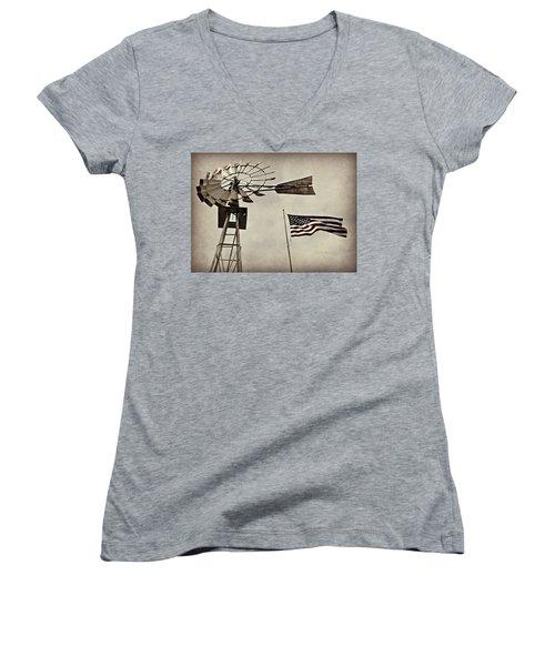 Americana Women's V-Neck T-Shirt