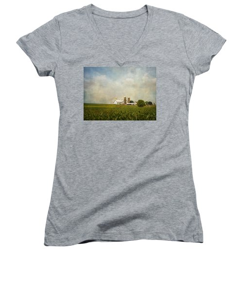 Amish Farmland Women's V-Neck