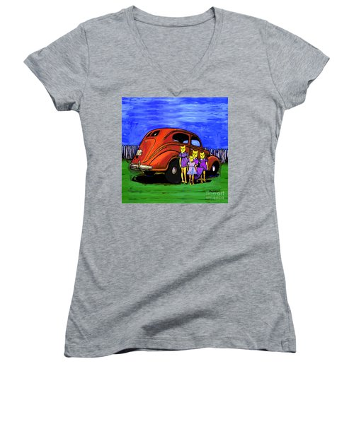 Aunt Laverne And The Kitties Women's V-Neck (Athletic Fit)