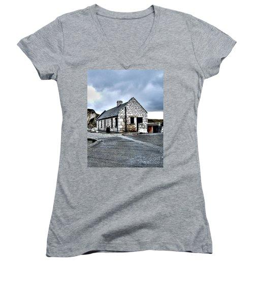 Ballintoy Stone House Women's V-Neck T-Shirt