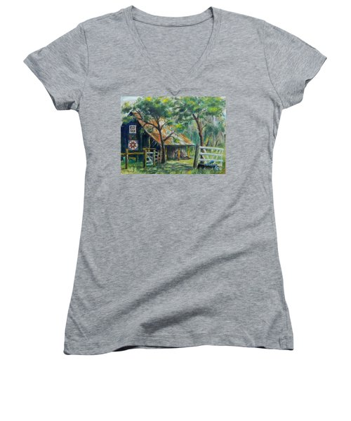 Barn Quilt Women's V-Neck T-Shirt