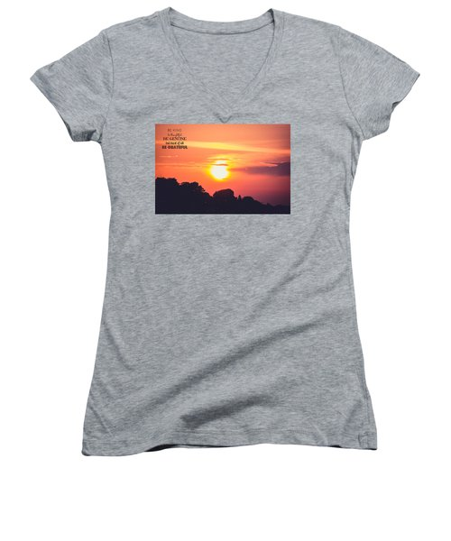 Be Grateful Women's V-Neck T-Shirt