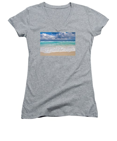 Beautiful Beach Ocean In Cancun Mexico Women's V-Neck T-Shirt