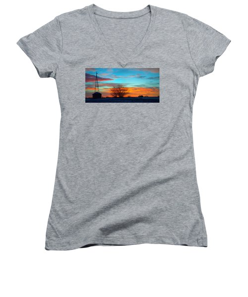 Beautiful Mornin' Panorama Women's V-Neck T-Shirt