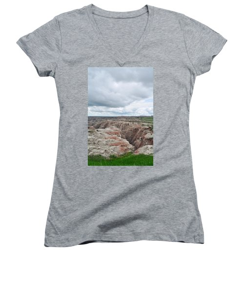Big Badlands Overlook Women's V-Neck