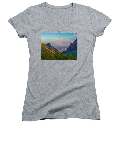 Big Bend Texas From The Chisos Mountain Lodge Women's V-Neck T-Shirt