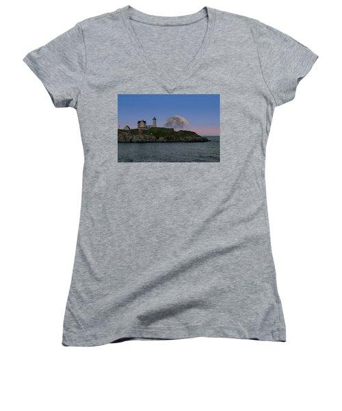 Big Moon Over Nubble Lighthouse Women's V-Neck T-Shirt (Junior Cut) by Jeff Folger
