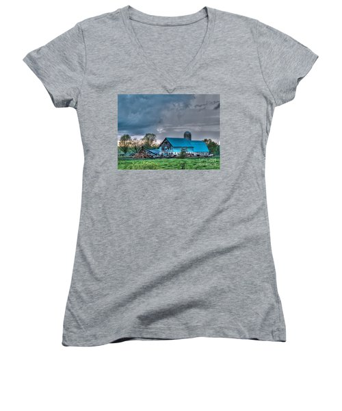 Blue Barn Women's V-Neck T-Shirt