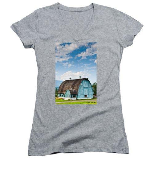 Blue Barn In The Stillaguamish Valley Women's V-Neck T-Shirt (Junior Cut) by Jeff Goulden