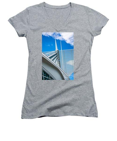 Calatrava Point Women's V-Neck