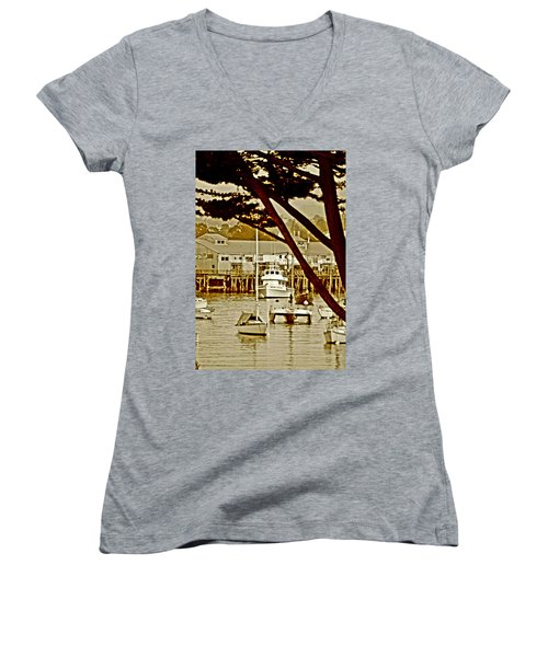 California Coastal Harbor Women's V-Neck