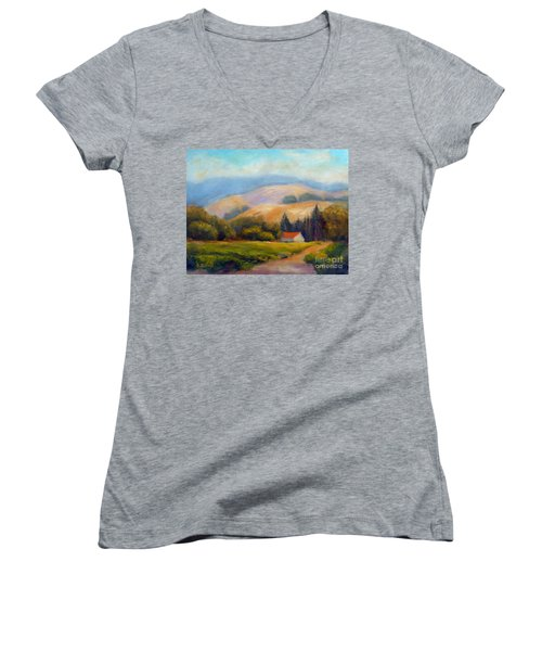 California Hills Women's V-Neck