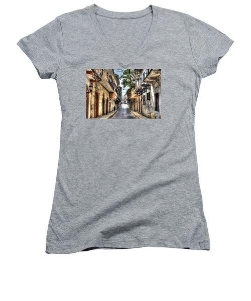Calle 8a Este Women's V-Neck T-Shirt (Junior Cut) by Bob Hislop