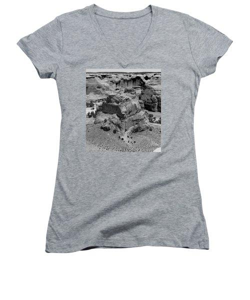 Canyon De Chelly Women's V-Neck