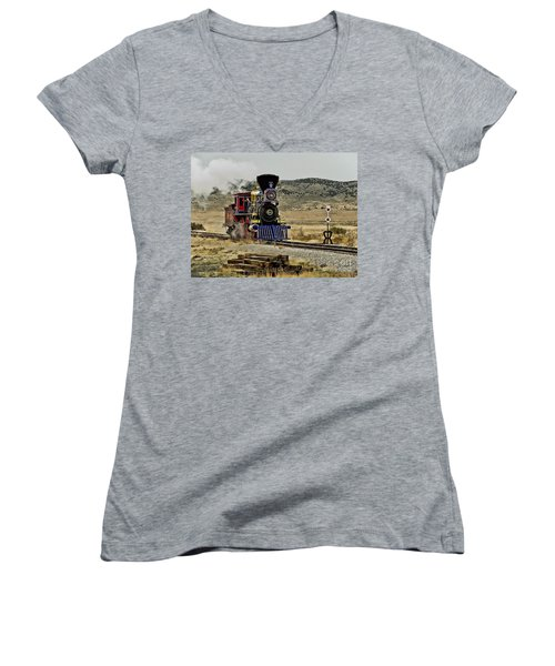 Women's V-Neck T-Shirt (Junior Cut) featuring the photograph Central Pacific's Jupiter by David Lawson