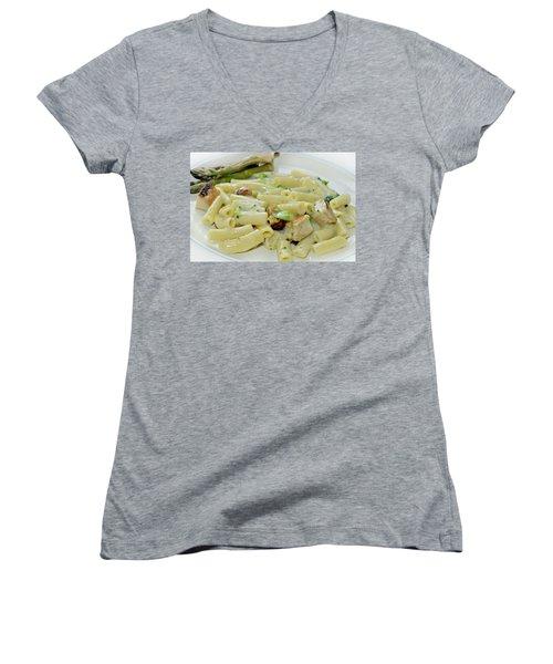 Chicken Alfredo Meal Women's V-Neck T-Shirt