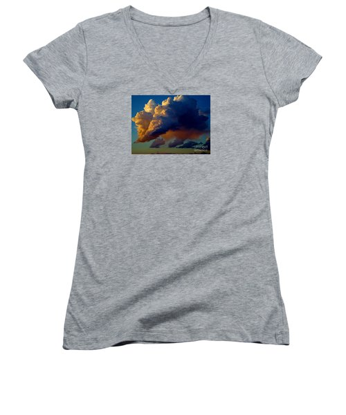 Cloud Family Women's V-Neck T-Shirt