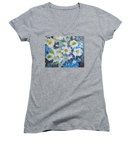 Cluster Of Daisies Women's V-Neck T-Shirt