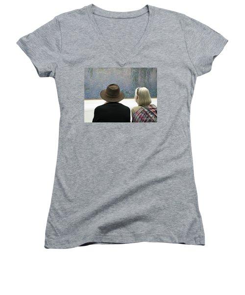 Women's V-Neck T-Shirt (Junior Cut) featuring the photograph Contemplating Art by Ann Horn