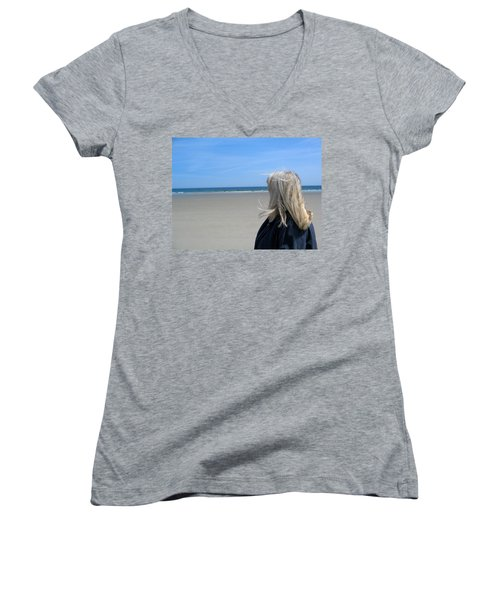 Contemplating The Stillness Women's V-Neck T-Shirt